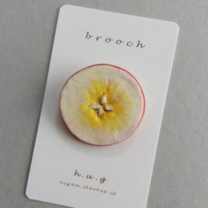 陶ブローチ:林檎