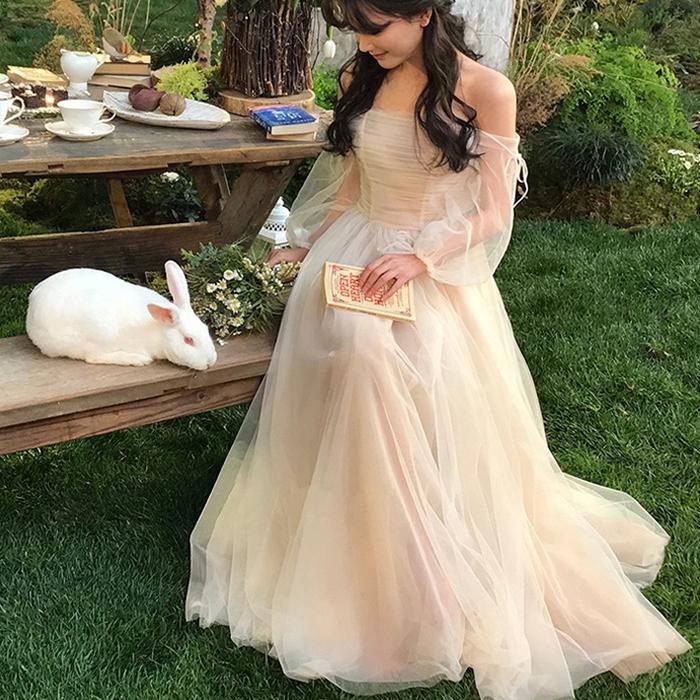ウエディングドレス オフショルダー シースルー袖 ギャザー 白 ロングドレス
