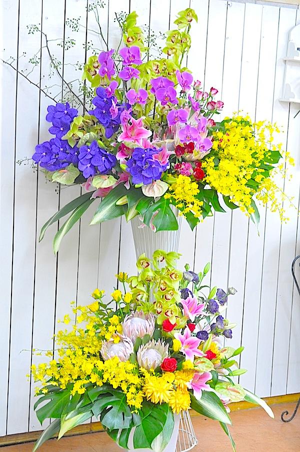 豪華な2段スタンド花