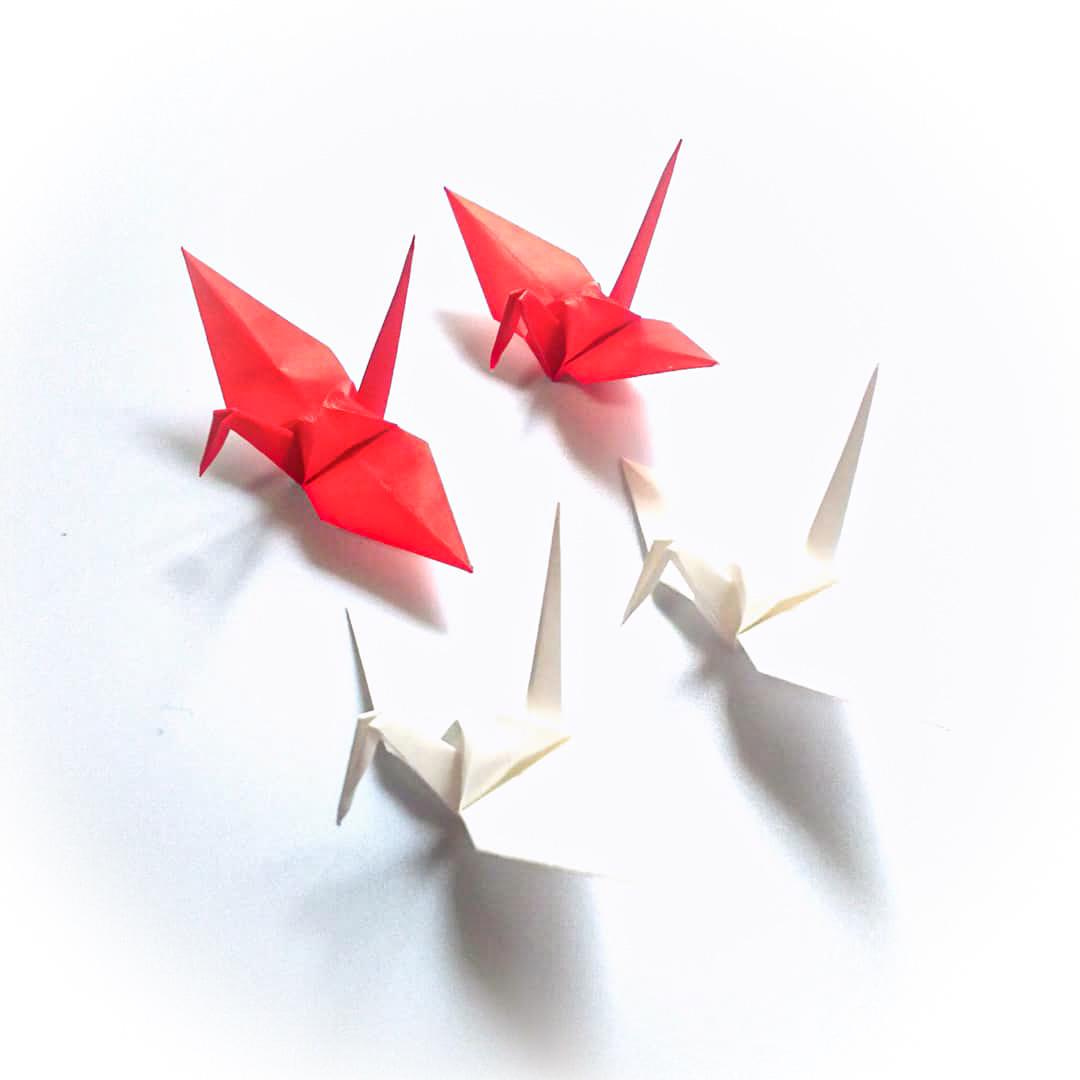 【特別記念価格】おめでとうございます、お祝いの日の紅白折り鶴 (神前式、和装婚折り鶴シャワー演出・和風撮影小物) 120羽入り