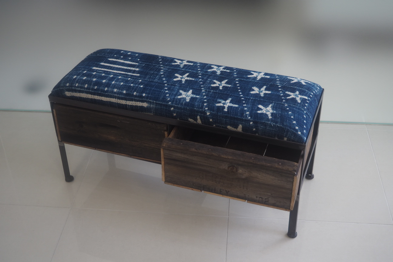 品番UAI2-123  2drawer ottoman[narrow/African indigo batik tribal]