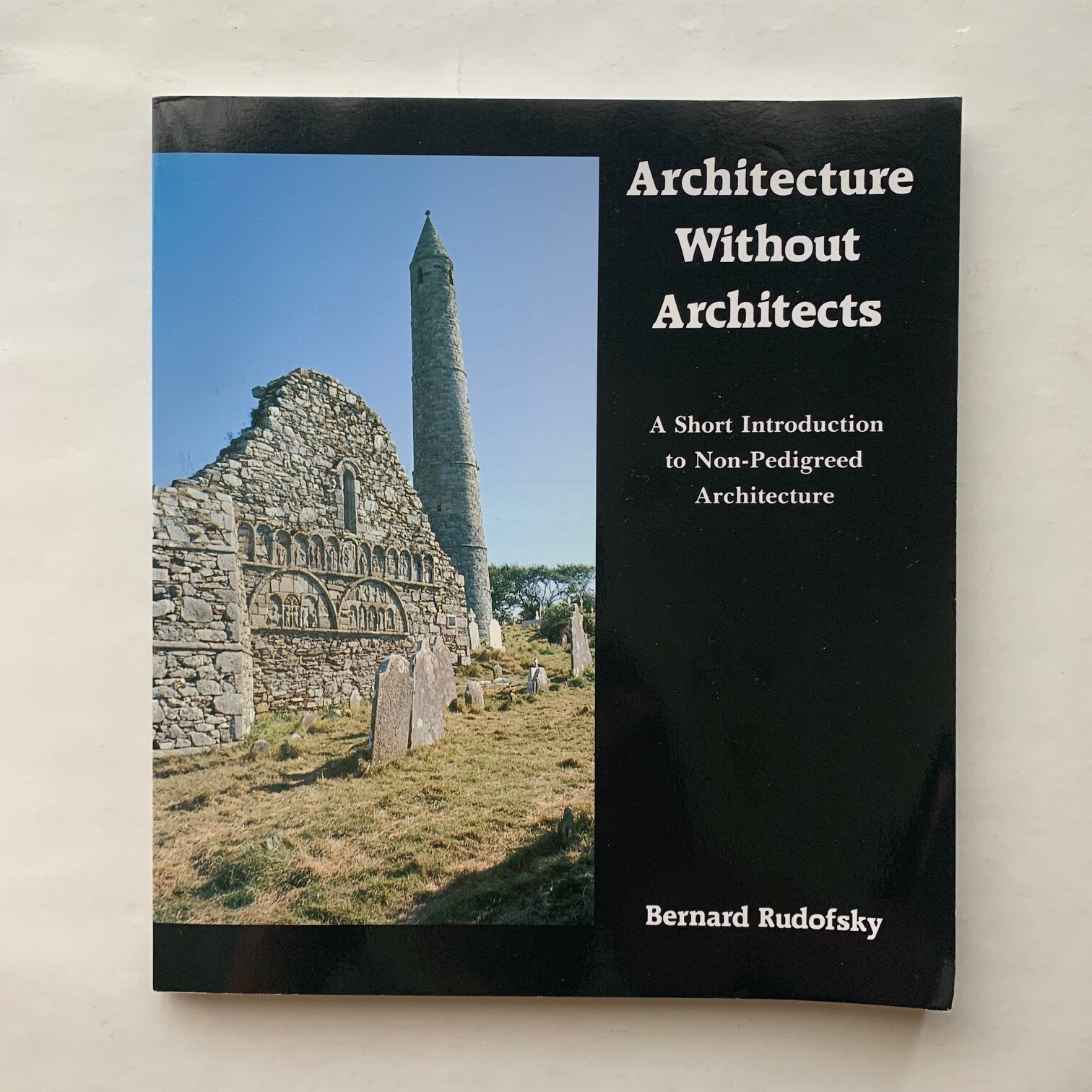 Architecture Without Architects  / バーナード・ルドフスキー