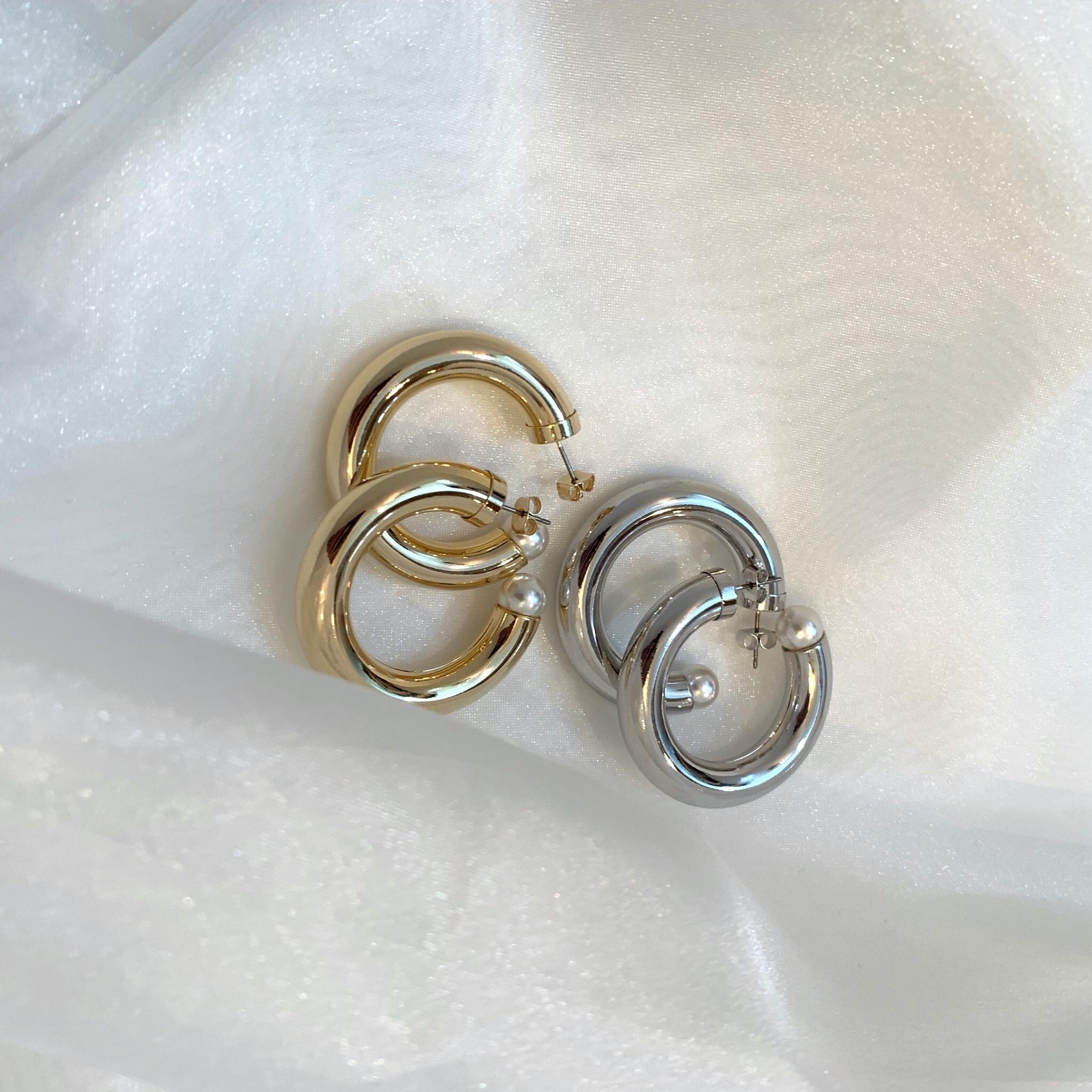 3/2 RESTOCK Pearl point whoop pierce