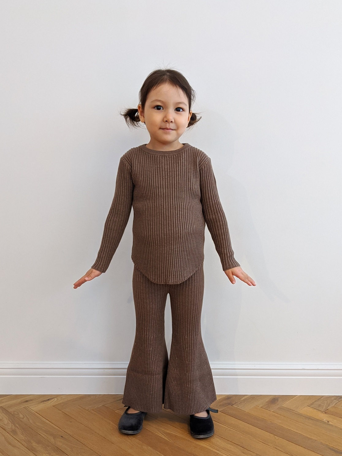 Kids Tight Fit Pullover - Brown