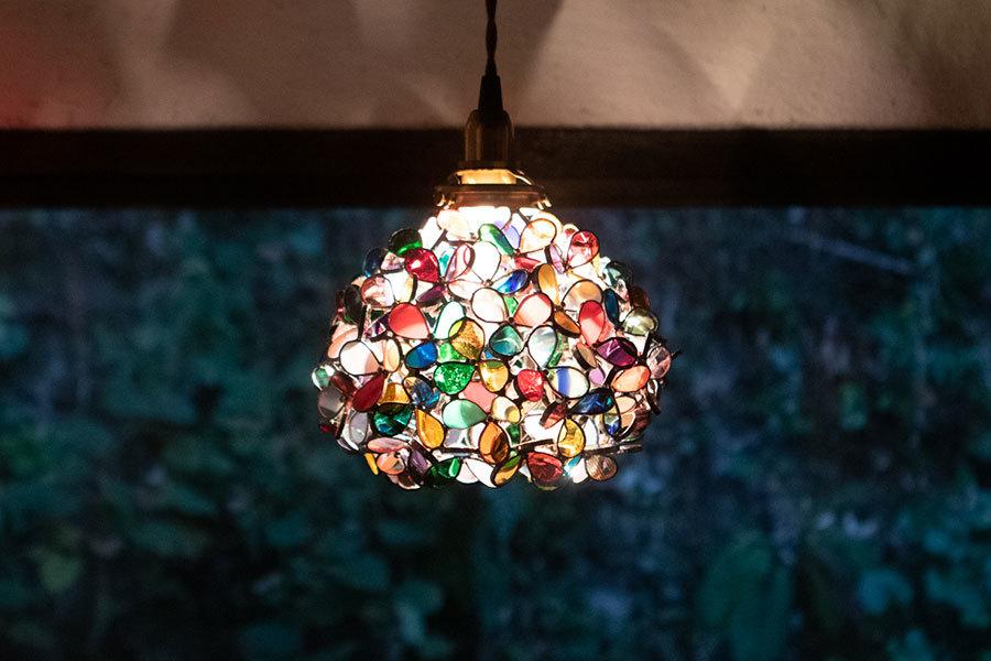 カラフル(ステンドグラスの吊りランプ)(ペンダントライト) 01010043