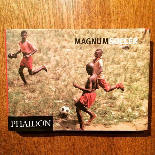 サッカー写真集「Magnum Soccer」 - 画像1