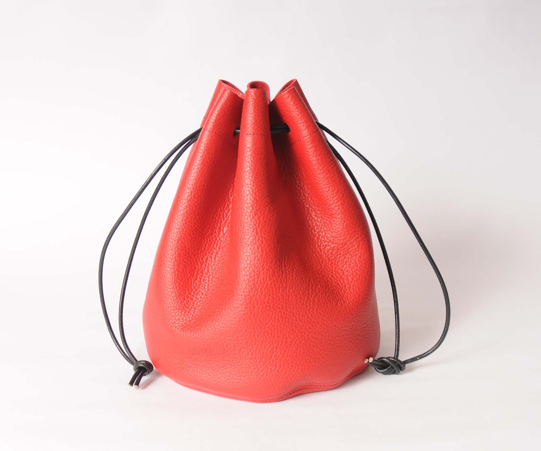 hs18SS-IRFG01 LEATHER CIRCLE BAG
