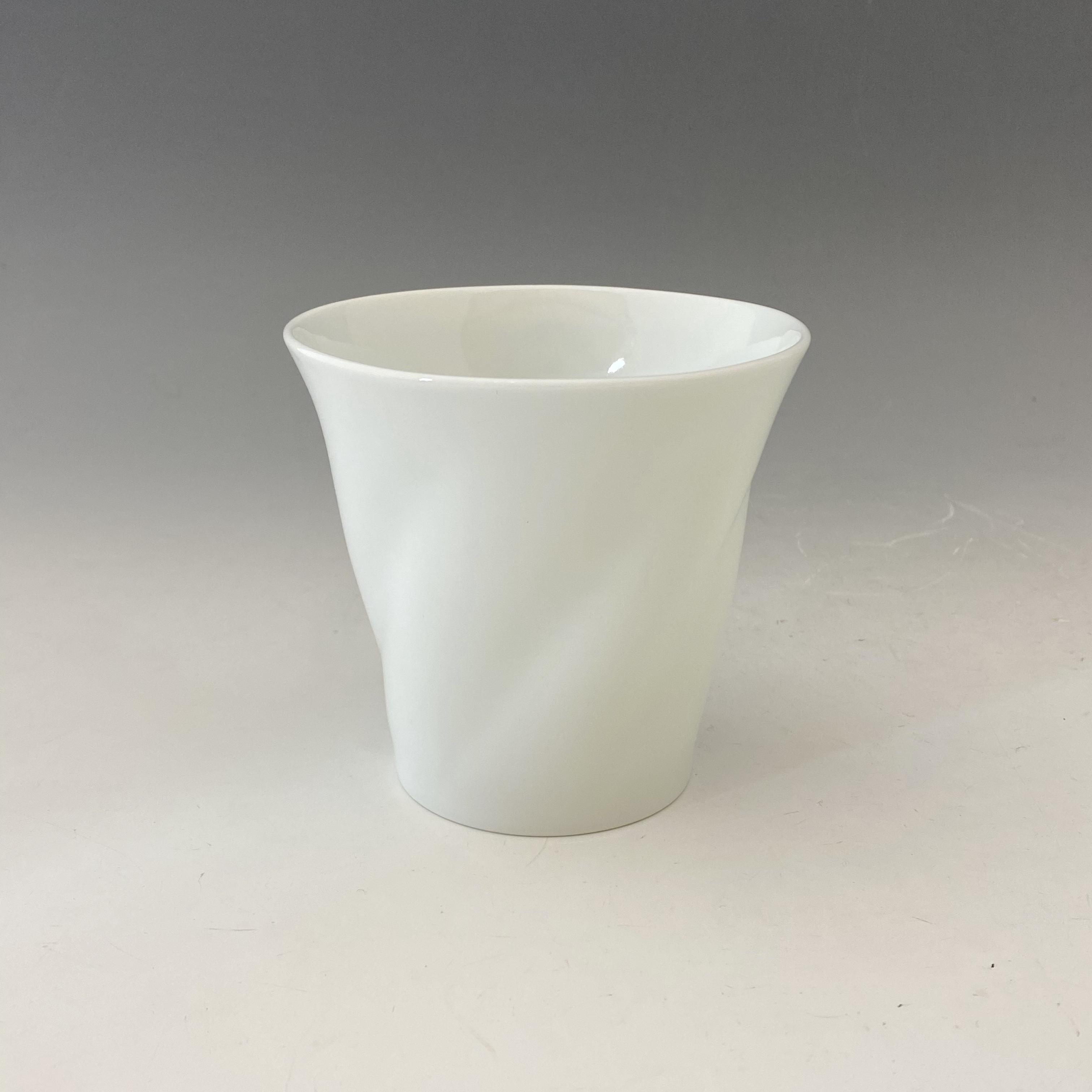 【中尾純】白磁ひねりカップ(小)