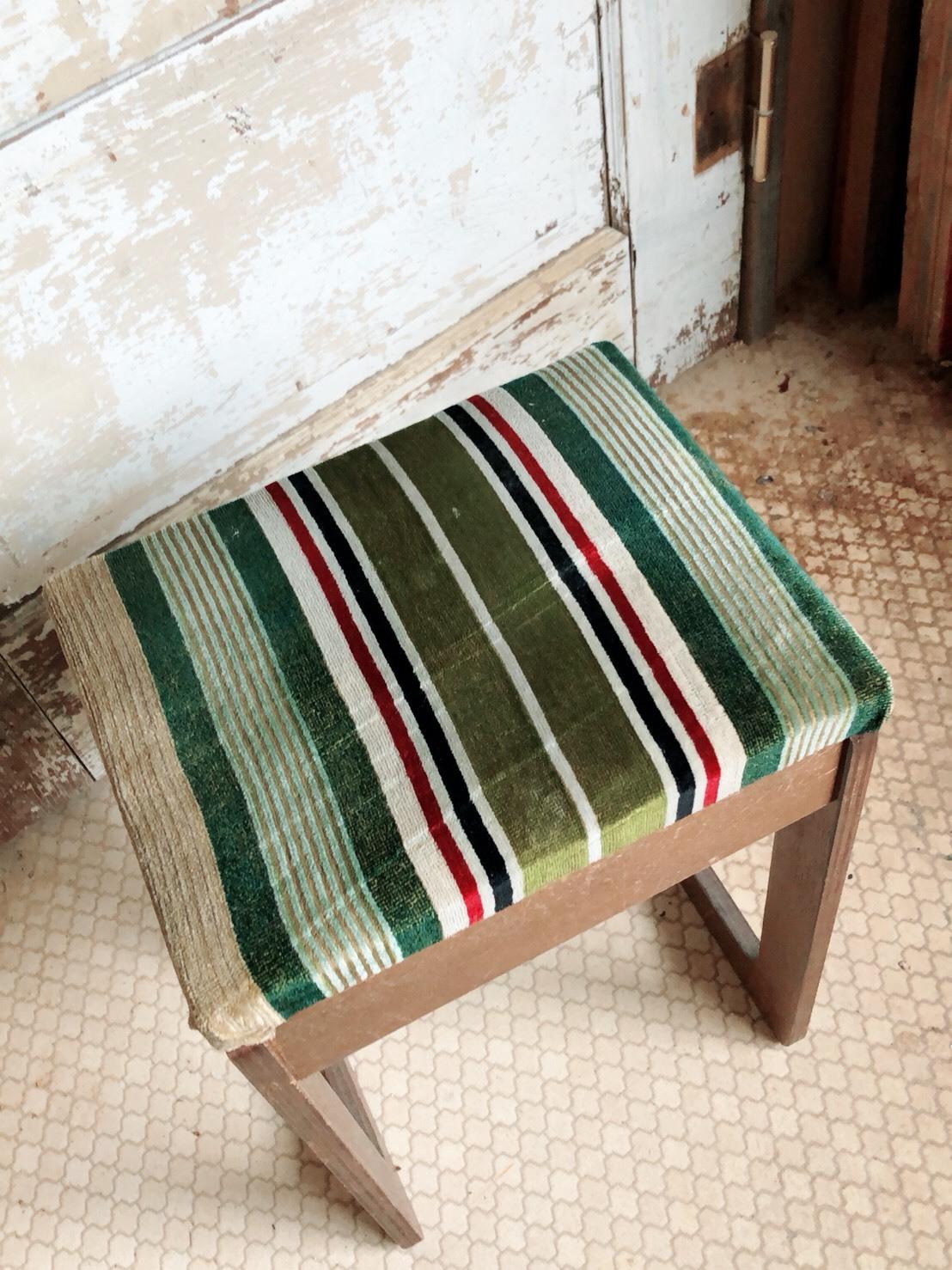 味のあるミシン椅子  リメイク