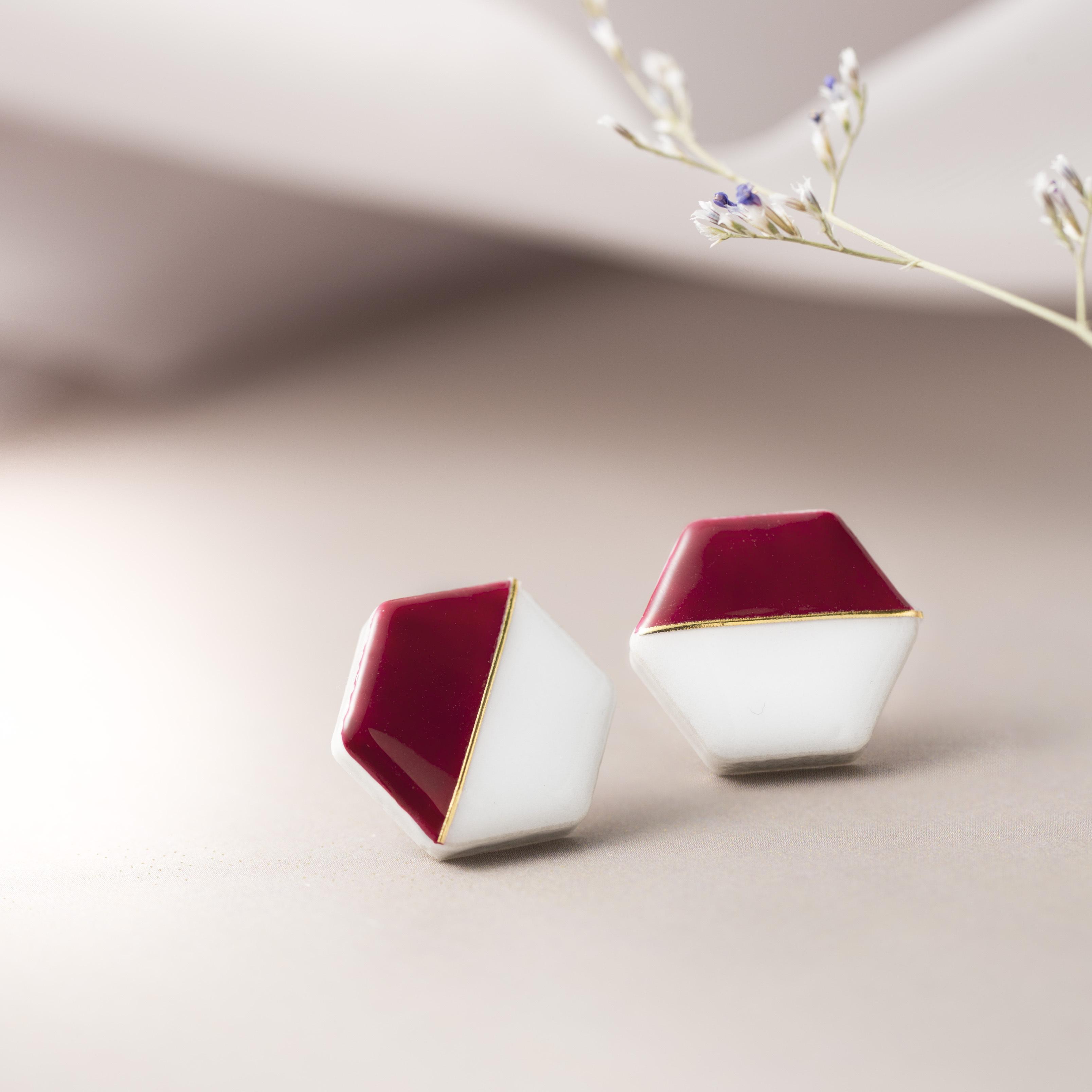 美濃焼 陶器 ホワイト×ボルドー 六角形 モダン イヤリング ピアス 伝統工芸品