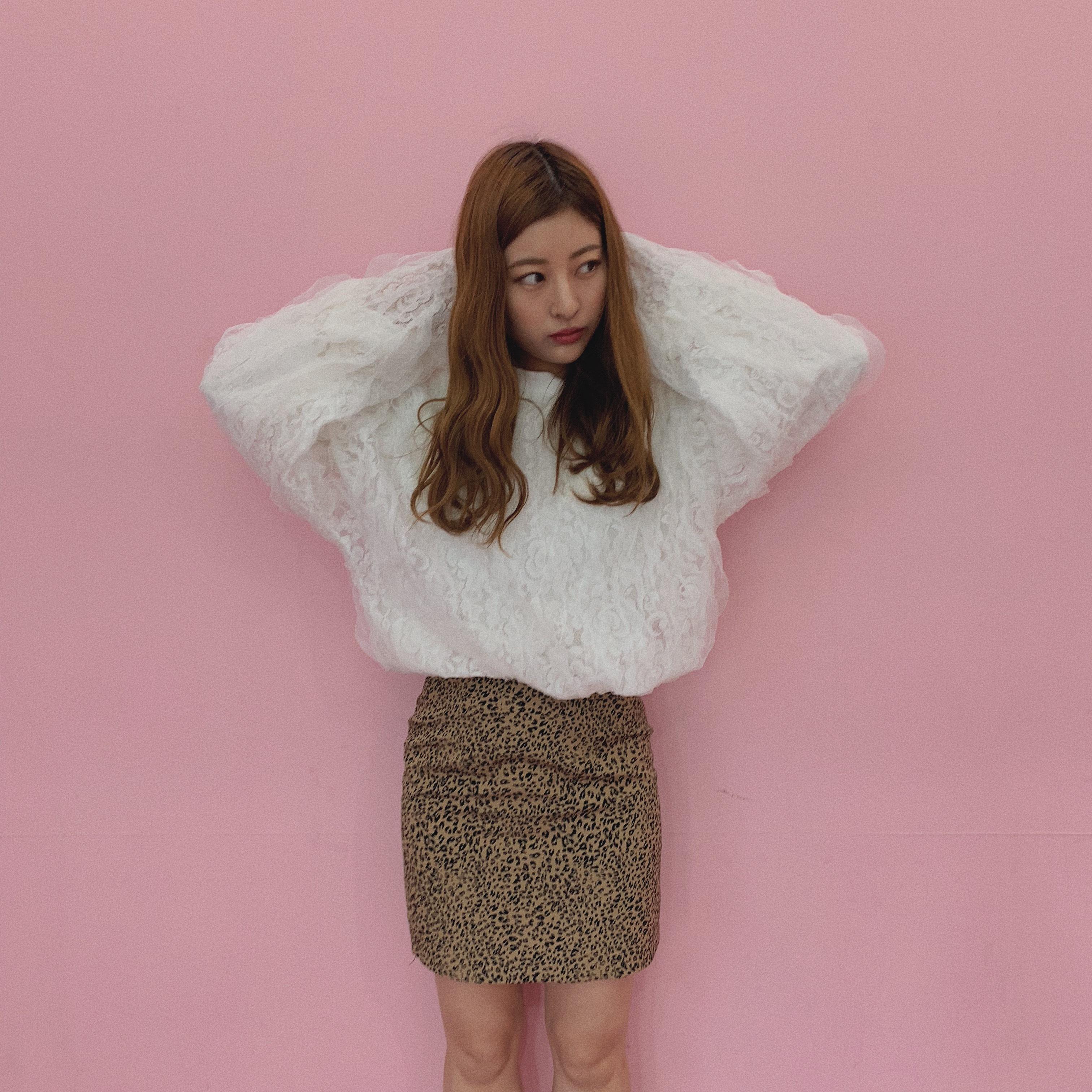 ♡lace frill sweatshirt (white)