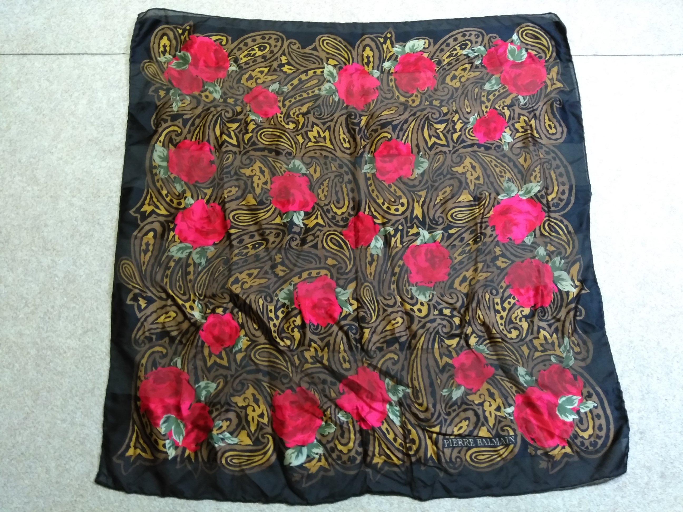 ピエール バルマン シルク 絹 スカーフ バラ 黒 u1126a