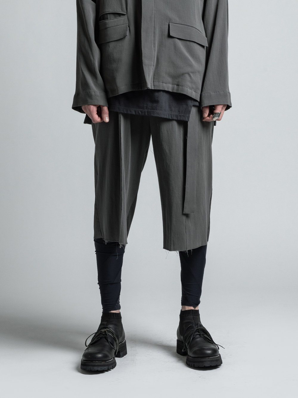 VI-3203-04 / 強撚二重織りコットン七分丈ショーツ