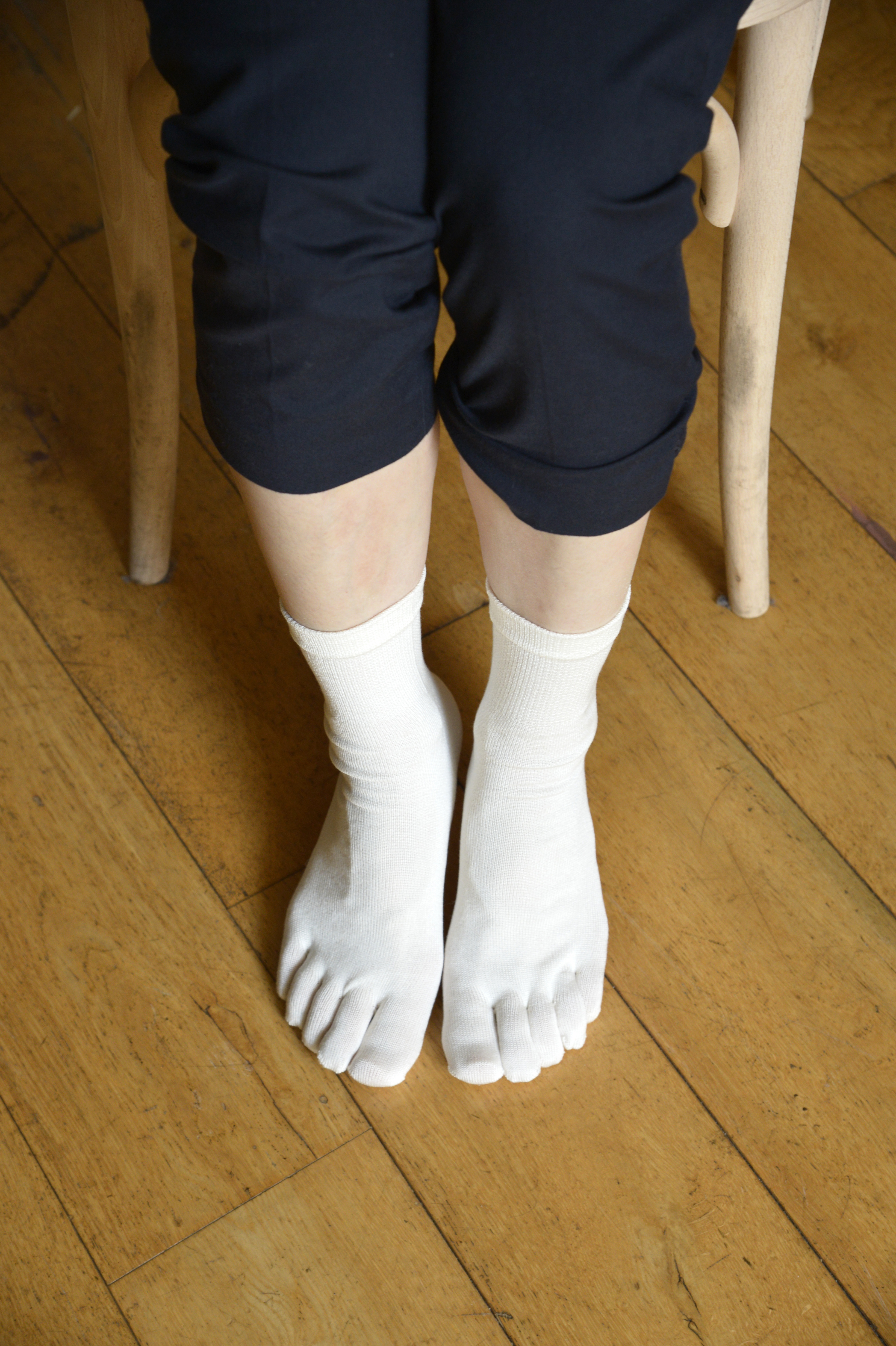 シルク紬糸5本指ソックス