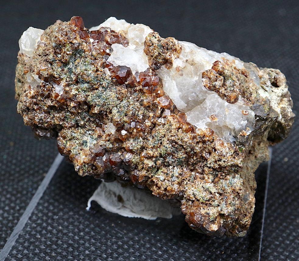 グロッシュラー ガーネット + カルサイト 方解石 54,3g GN073 原石 鉱物 天然石 パワーストーン