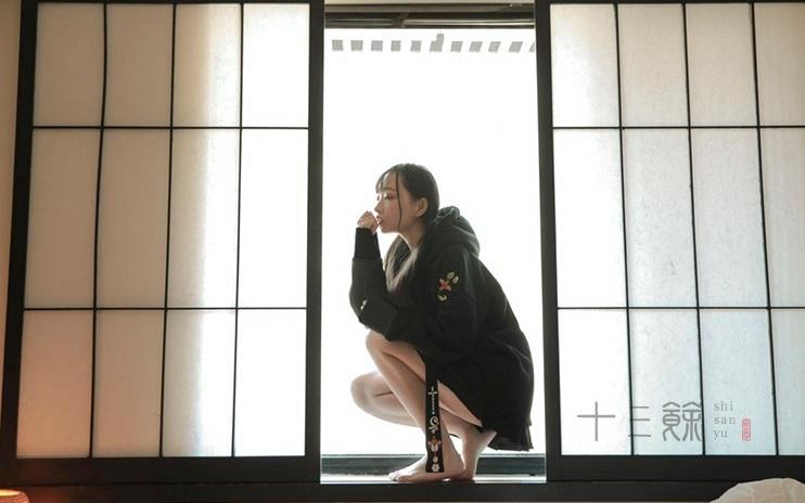 【新作】刺繍スリングリボンパーカー