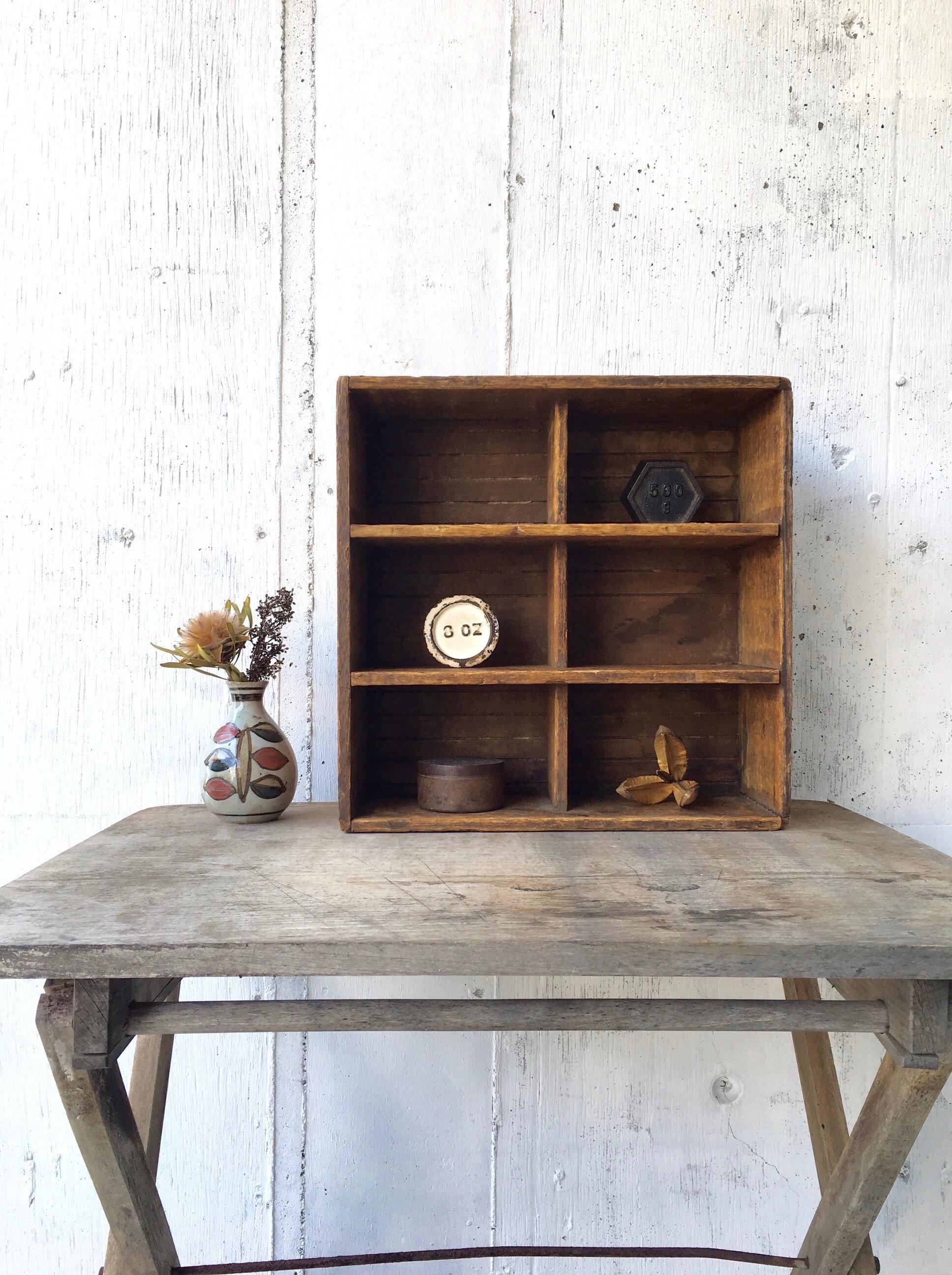 木味のマス棚[古家具]
