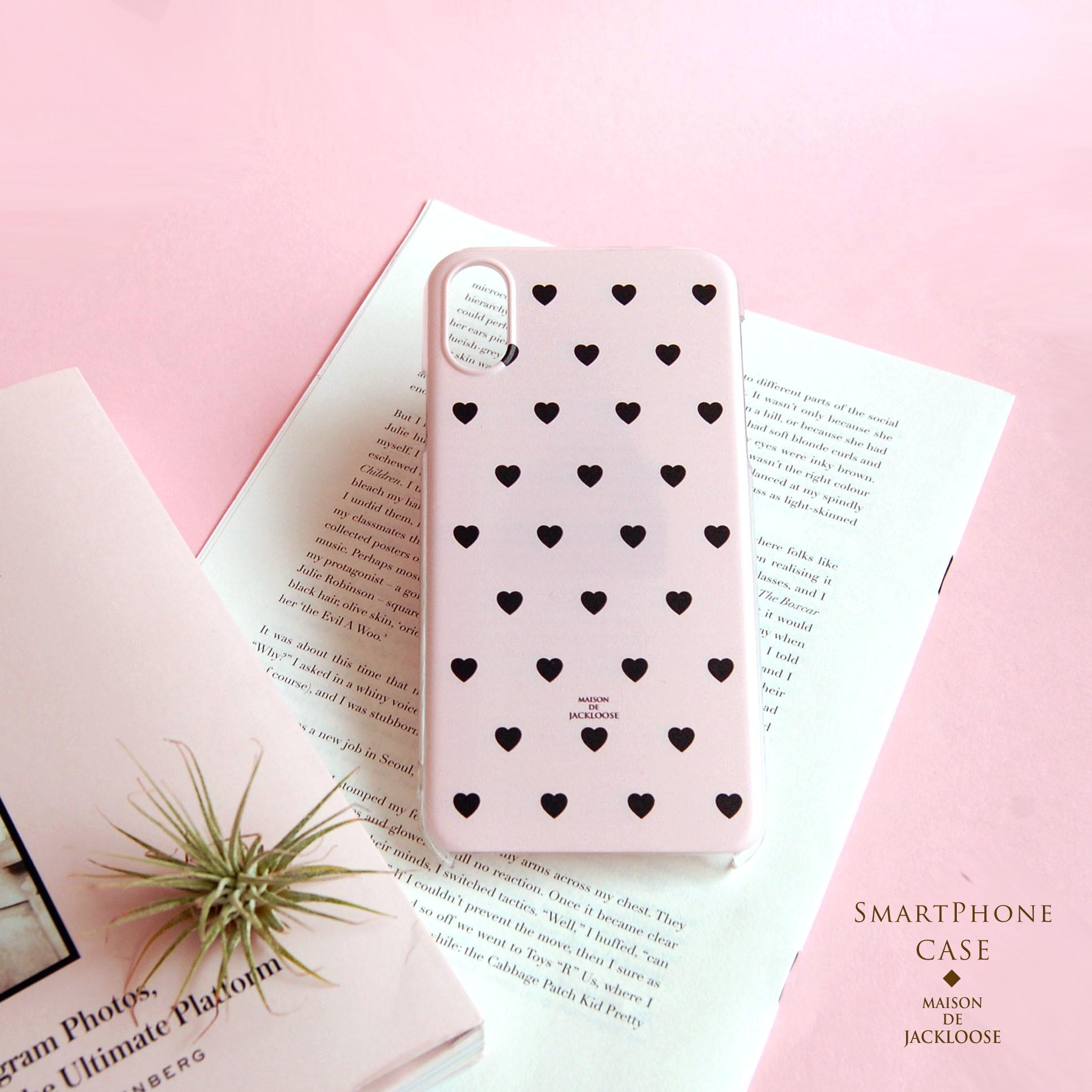 パウダーピンク 黒いハートのスマホケース【iPhone・android 専用カメラホール ハードケース】