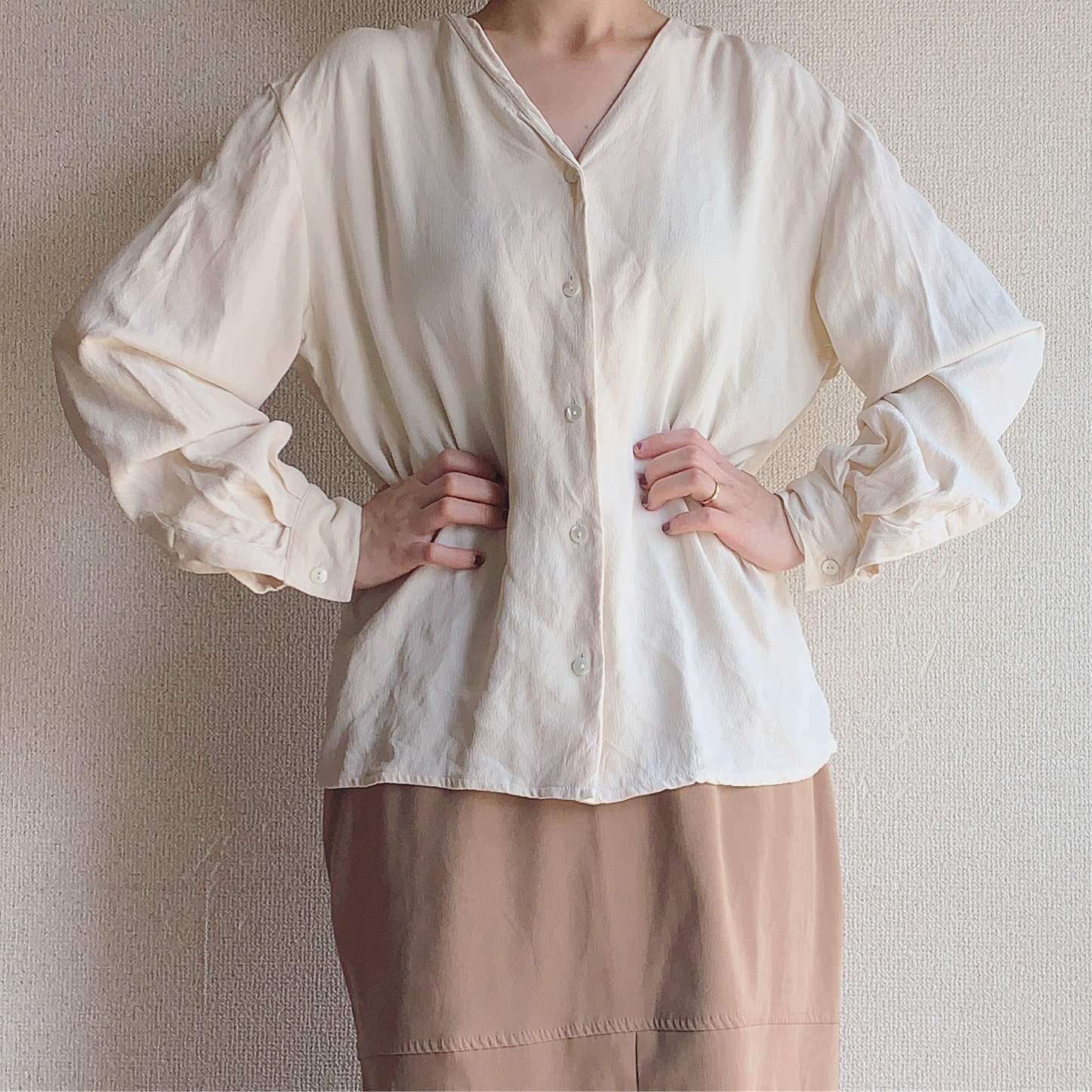 【SALE】vintage silk vneck shirts