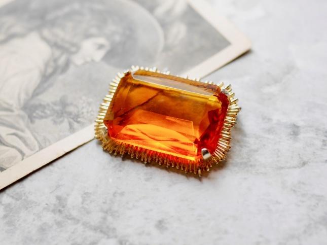 1960s オレンジグラスのブローチ|イギリスヴィンテージ