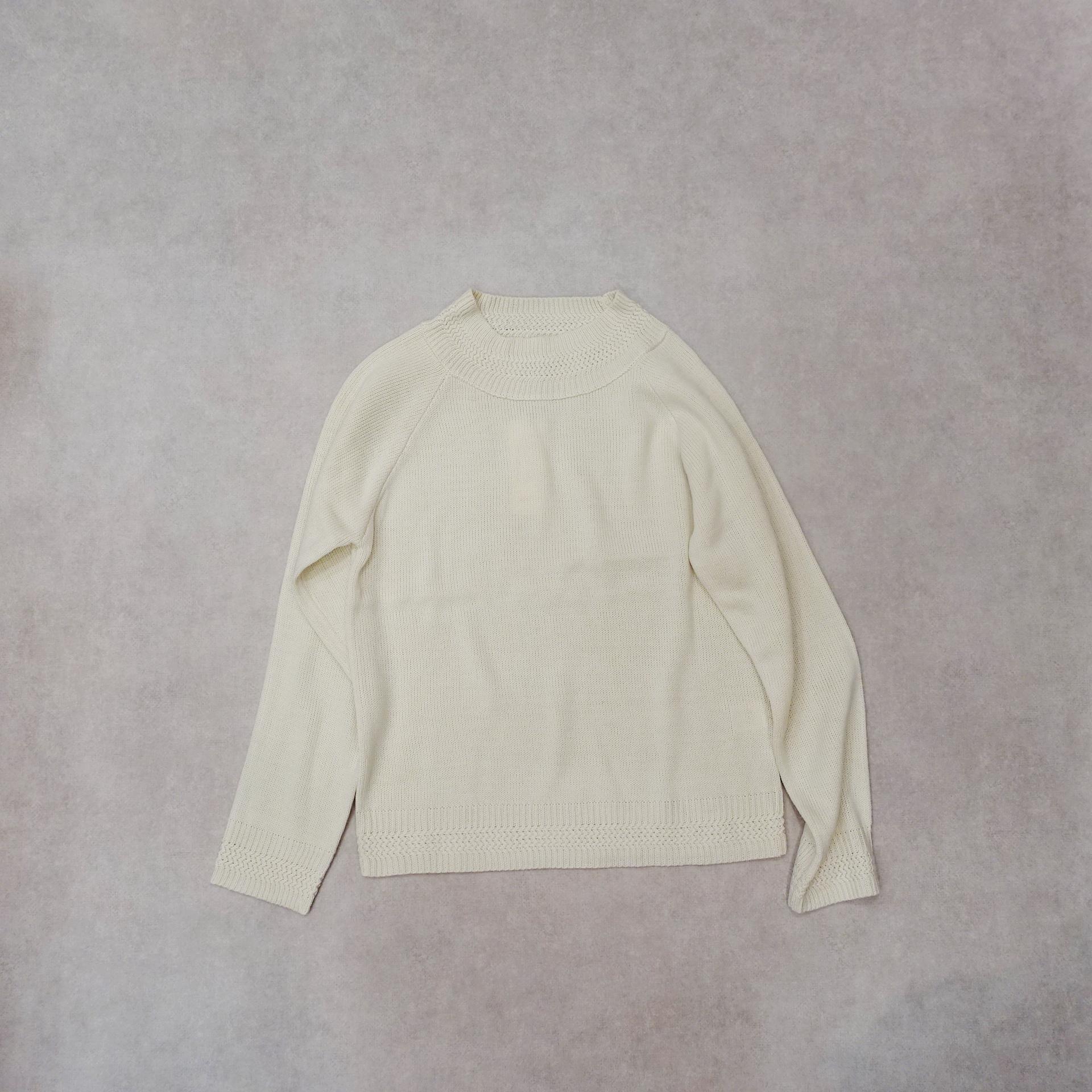 20000  ハイゲージ・飾り襟ニット