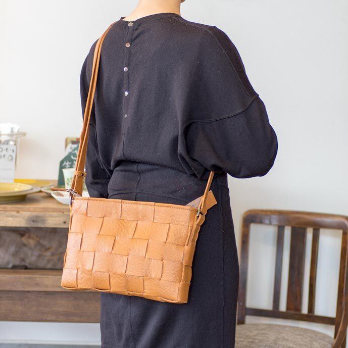 ソファ用牛革製 / ショルダーバッグ/サコッシュ/ キャメルオレンジ色