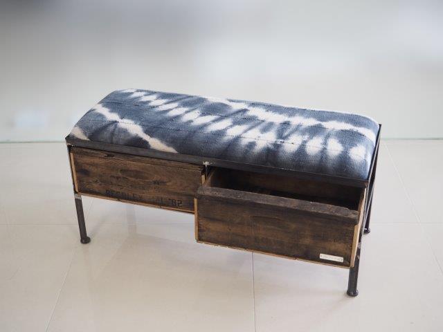 品番UAI2-106  2drawer ottoman[nerrow/African indigo batik tribal]