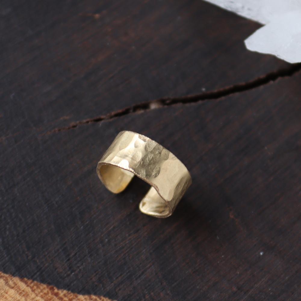 【Sサイズ】真鍮のつちめ幅広イヤーカフ