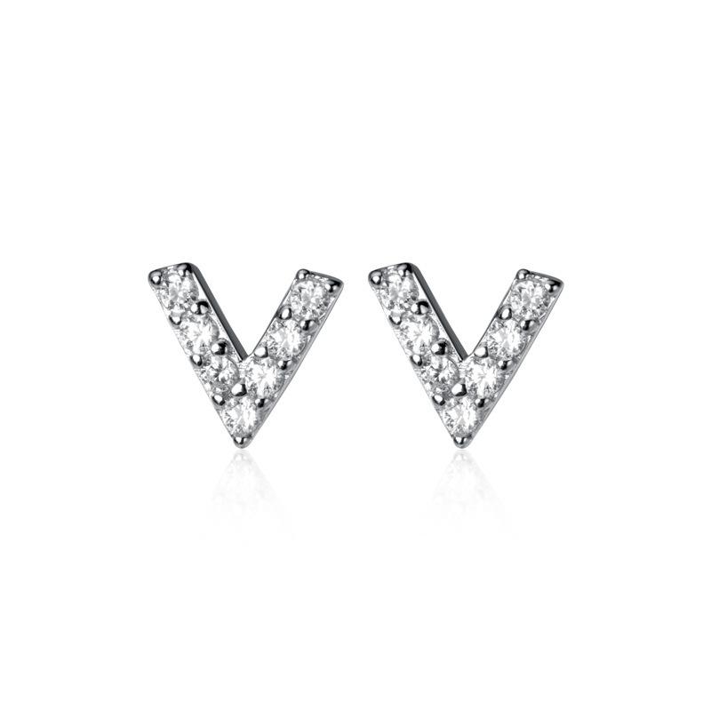 V字ピアス「レターVラインストーン スタッドピアス」   シルバー925   きらきら   レディース   金属アレルギー