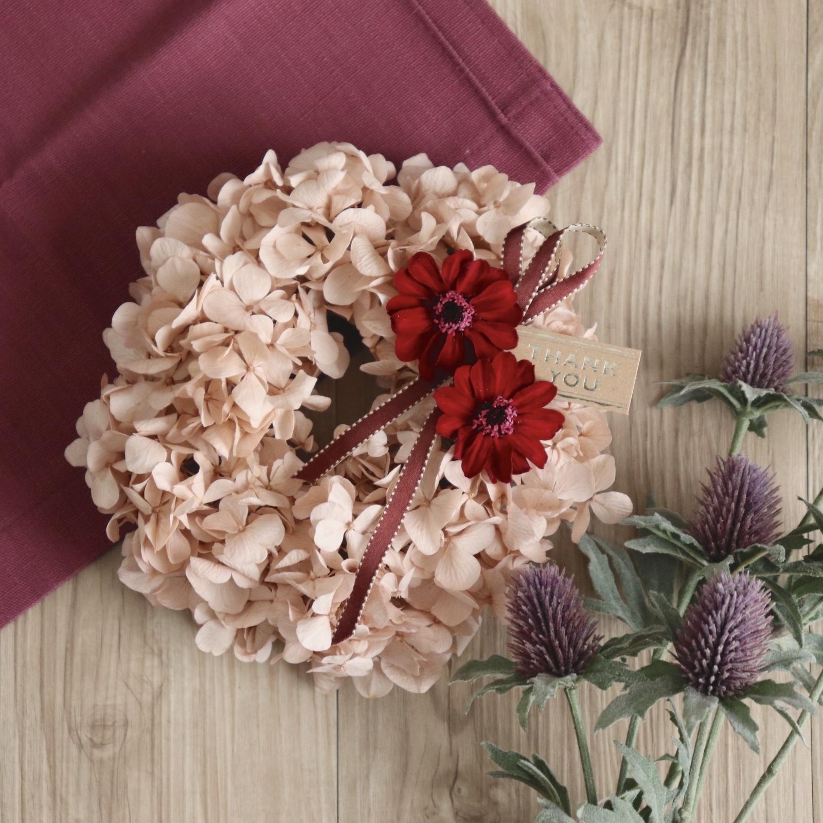 【プリザ】紫陽花とジニアのふんわりリース