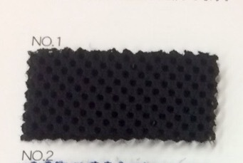 リュックの背中に ダブルラッセル 黒 クッション材付きネット生地 150センチ幅 黒 50センチ