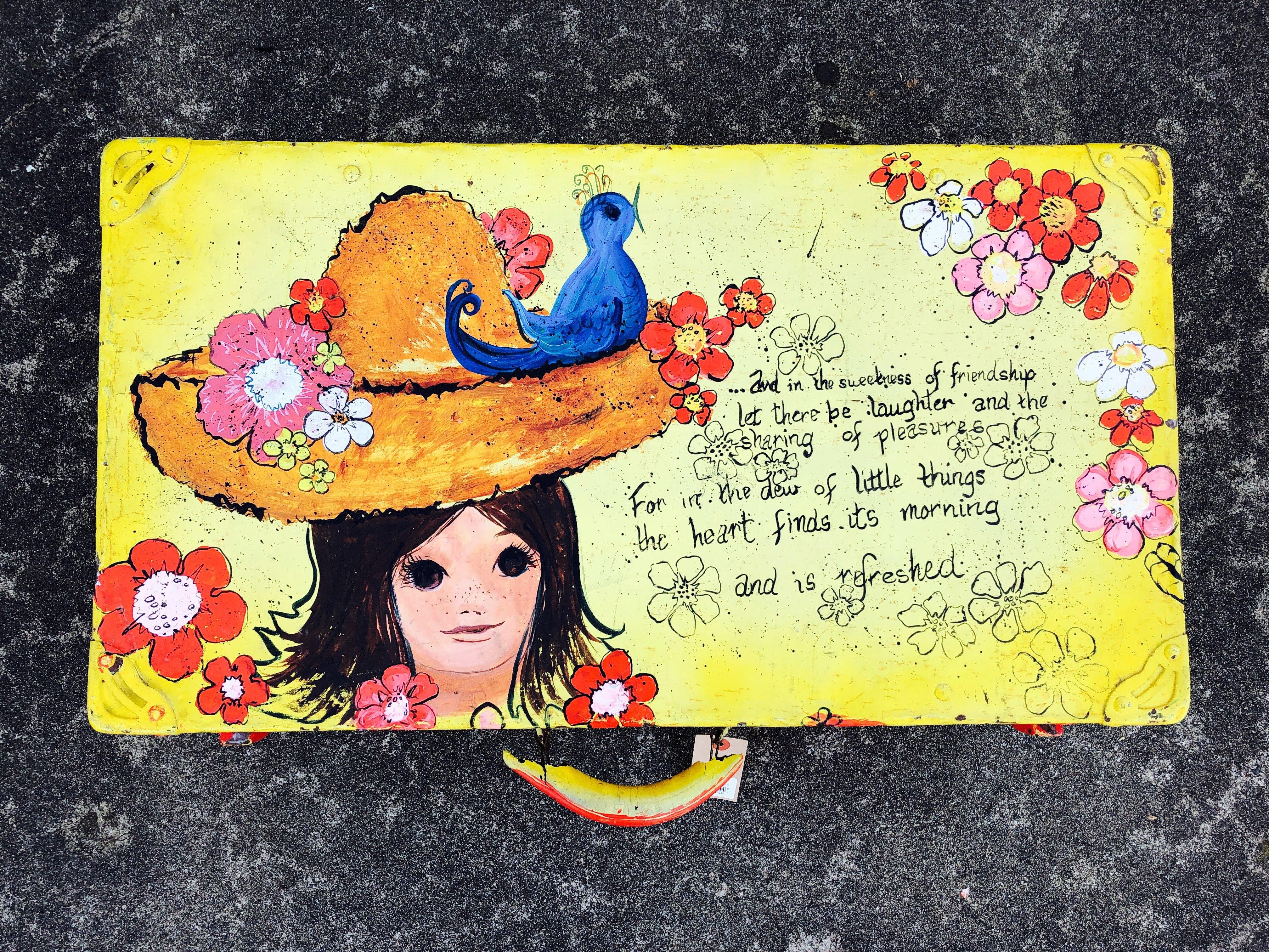 品番3946 スーツケース トランク 少女 花 イエロー トラベルケース ヴィンテージ