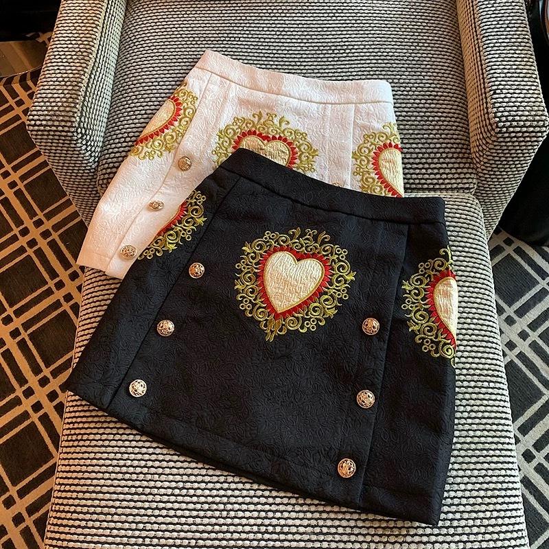 point heart mini skirt