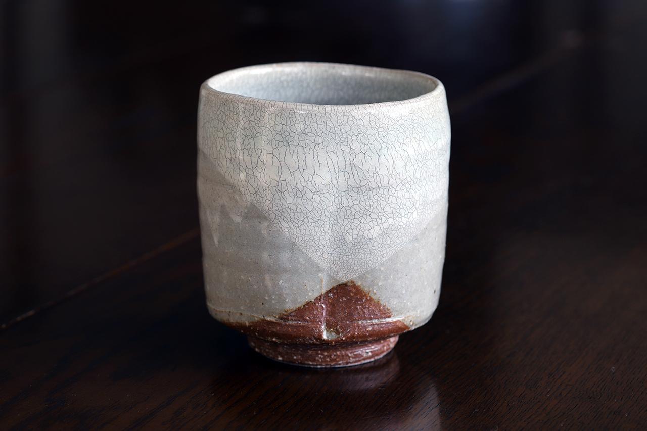 粉引氷雪白掛け分け 切立湯呑 作:谷井芳山・谷寛窯(信楽焼)