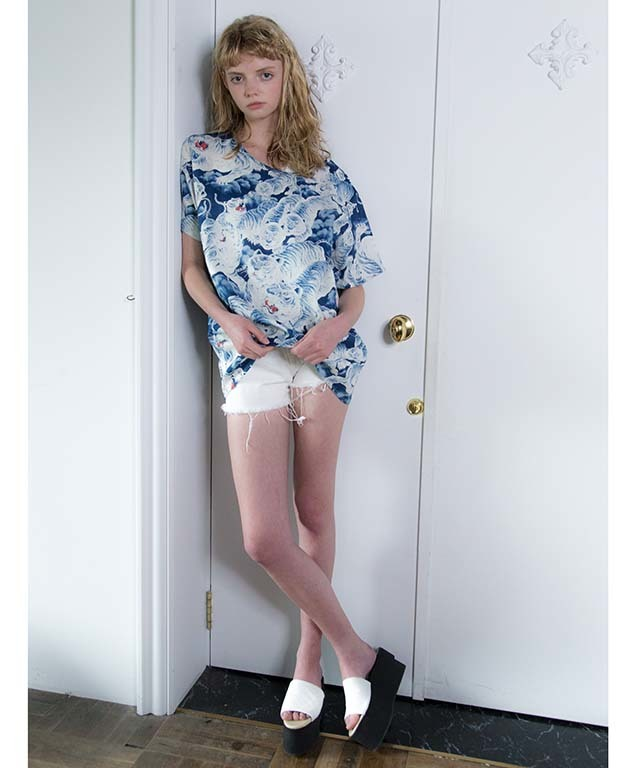 df18SS-07 SEE-THOUGH RX TOPS A