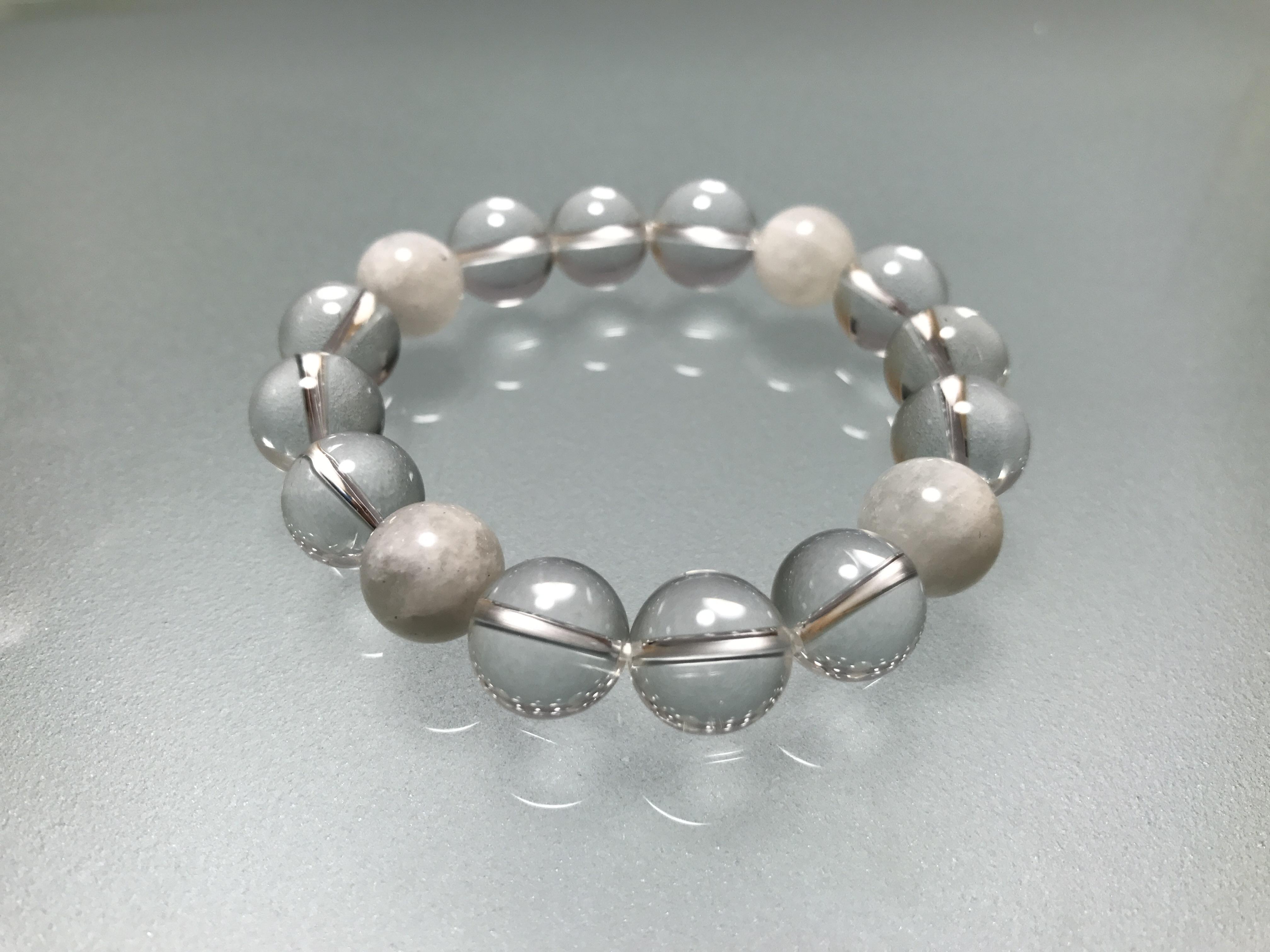 水晶&マザーオブパール 12mm 、生命力活性の水晶と子宝のマザーオブパールの組み合わせです。