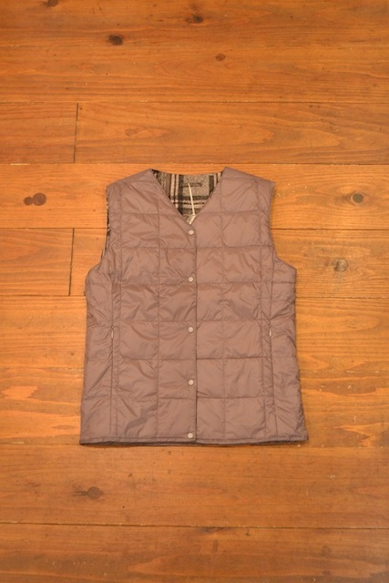 TAION / REVERSIBLE V NECK DOWN VEST(レディース)