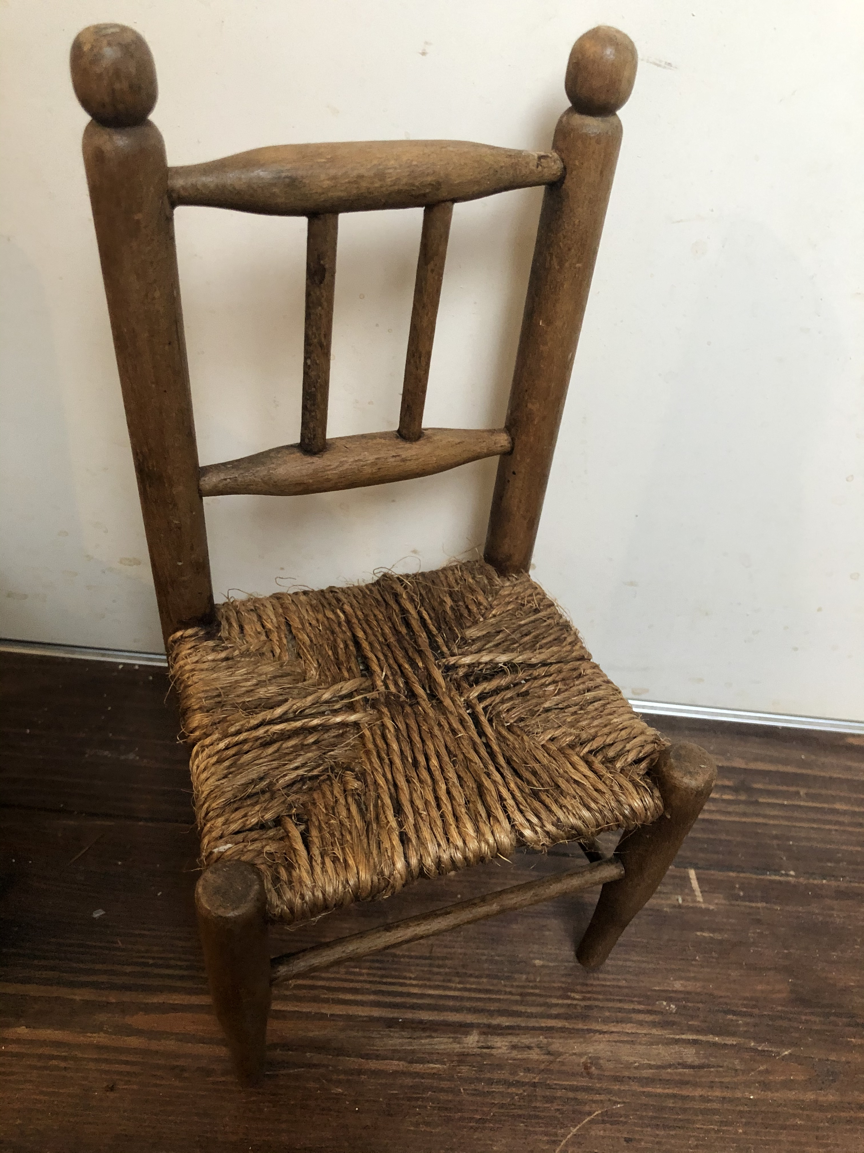 おもちゃの小さな木製チェア 椅子 toy chair 麻