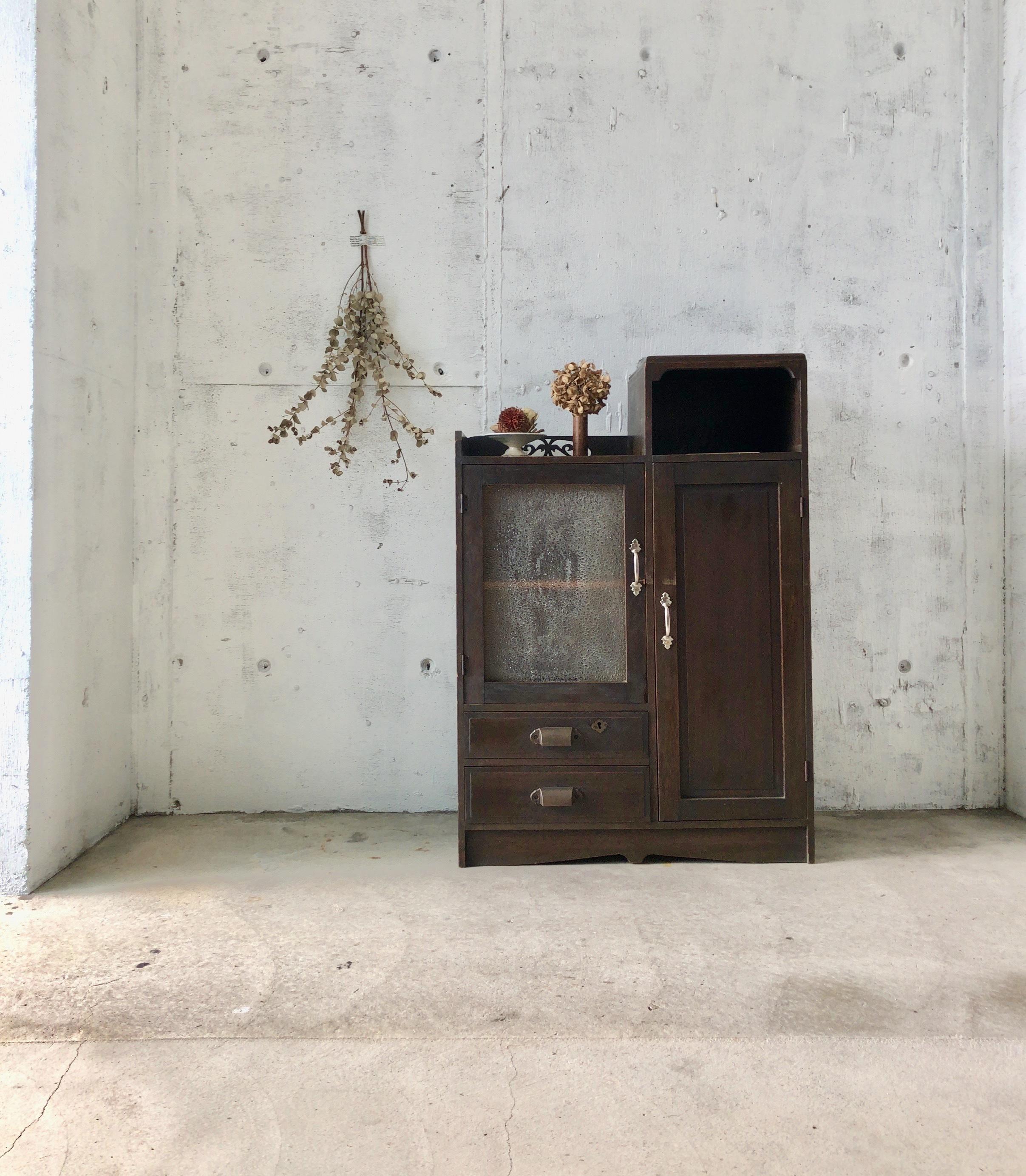 木味の収納棚[古家具]