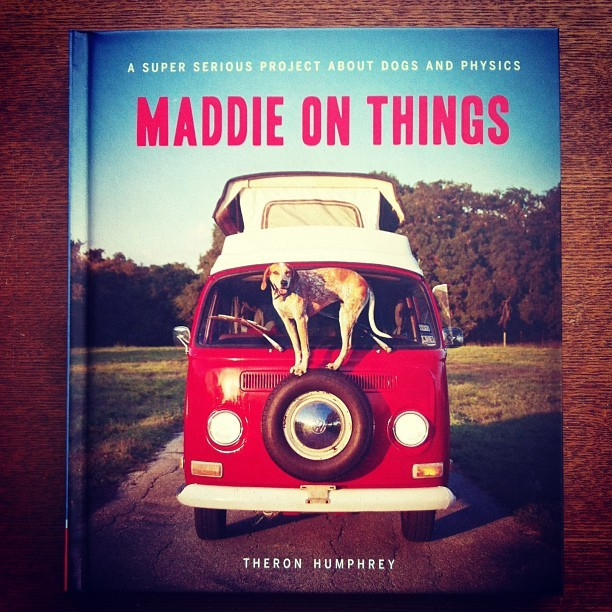 写真集「Maddie on Things/Theron Humphrey」 - 画像1