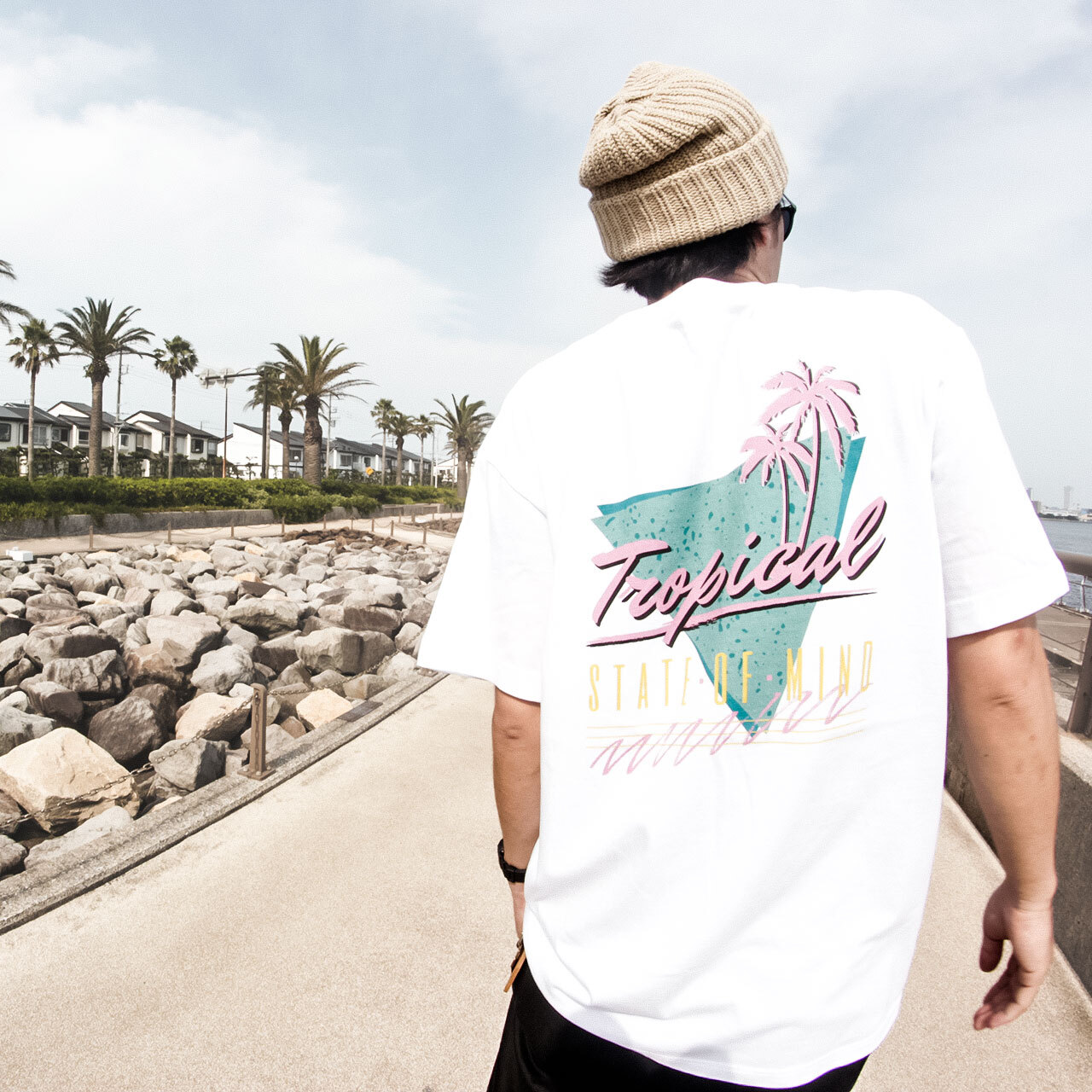 """TROPICAL STATE OF MIND""  S/S TEE - ホワイト"