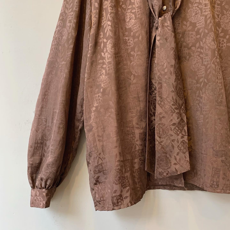 vintage bowtie design blouse