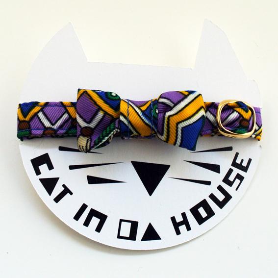 cat's collar vintage printed fabric_g