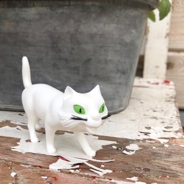 Bobbing Walking Cat!! ねこの置物