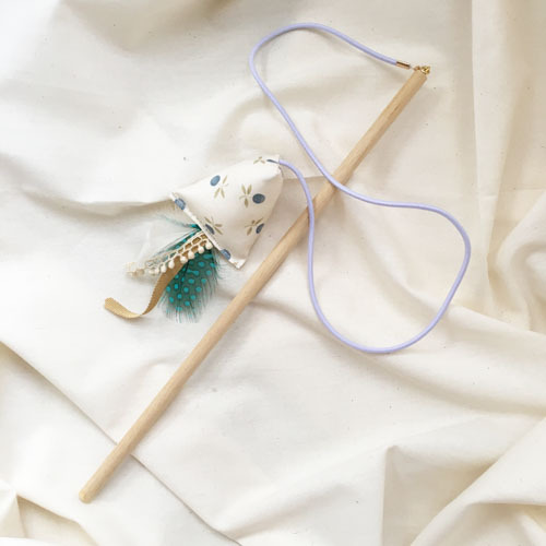 飛びつく猫のおもちゃ(ブルーベリー)