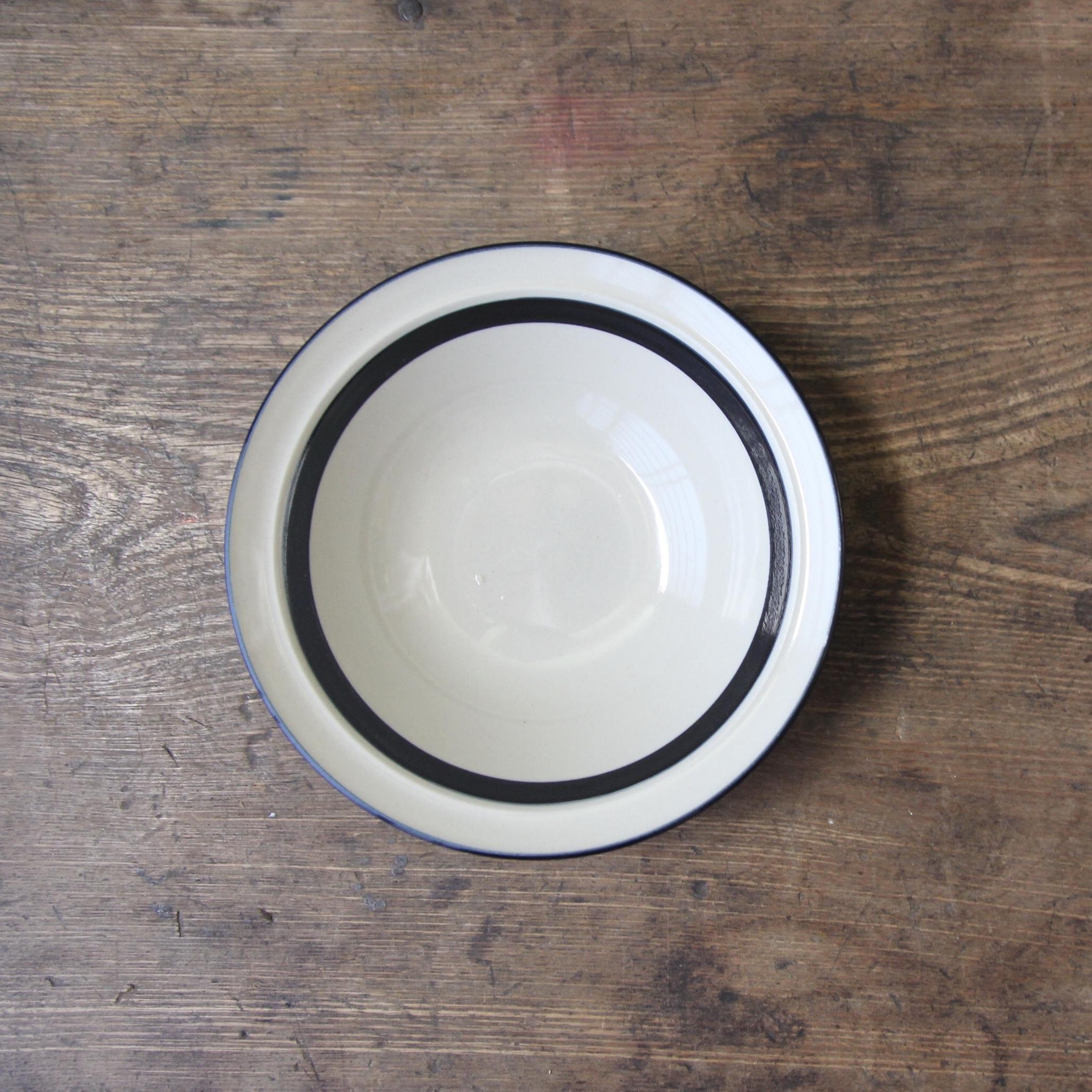 BELL ストーンウェア 小さいボウル皿