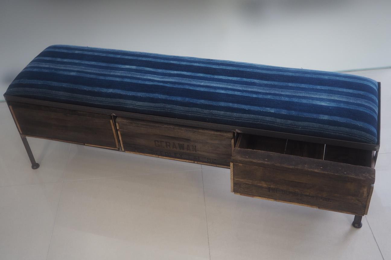 品番UAI3-125 3drawer ottoman[narrow/African indigo batik tribal]