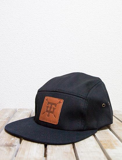 【TROPHY EYES】Arrow 5-Panel Hat (Black)