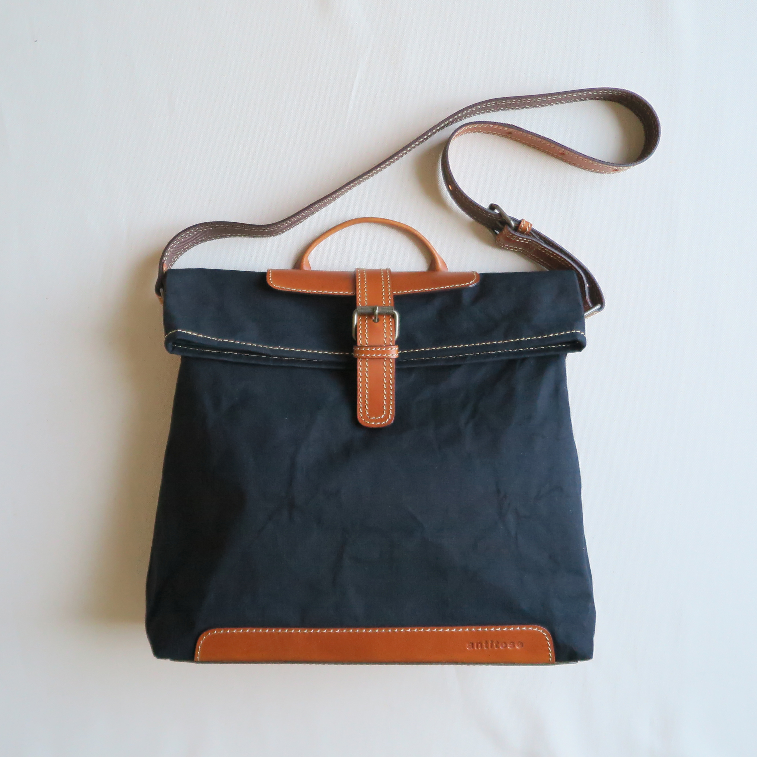 Paraffin canvas messenger bag BLACK