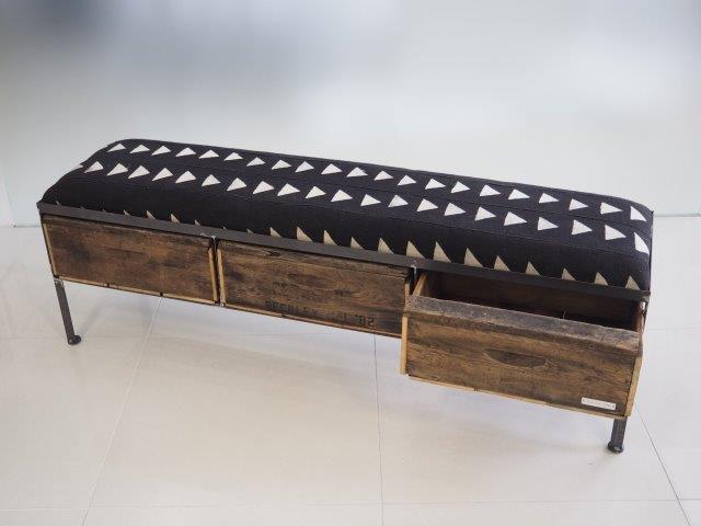 品番UAB3-101  3drawer ottoman[nerrow/African black]